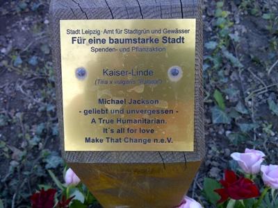 Vor dem Gewandhaus zu Leipzig: Erinnerungen an Michael Jackson.